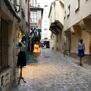 fashion pop-up in Paris alleyway