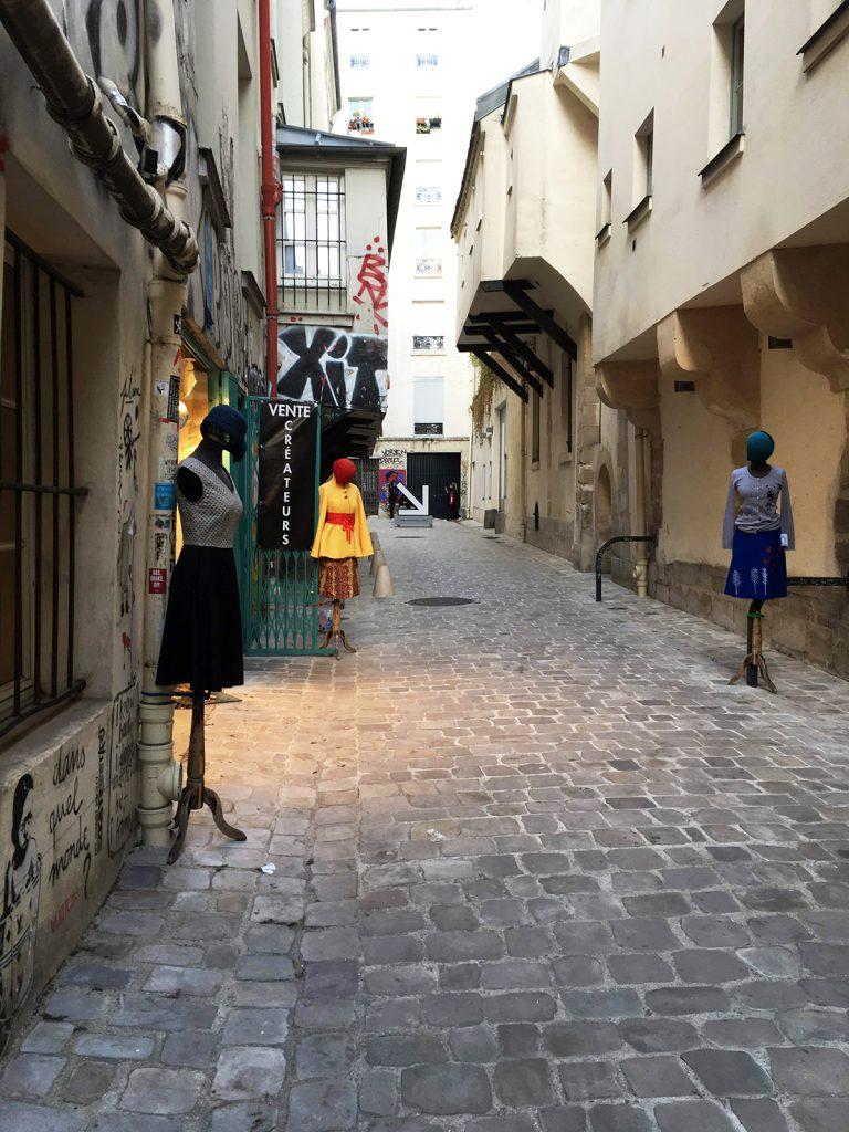 fashion pop-up in Paris alleyway